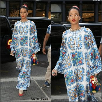 rihanna-in-dolce-gabbana-out-in-new-york-1024×1024