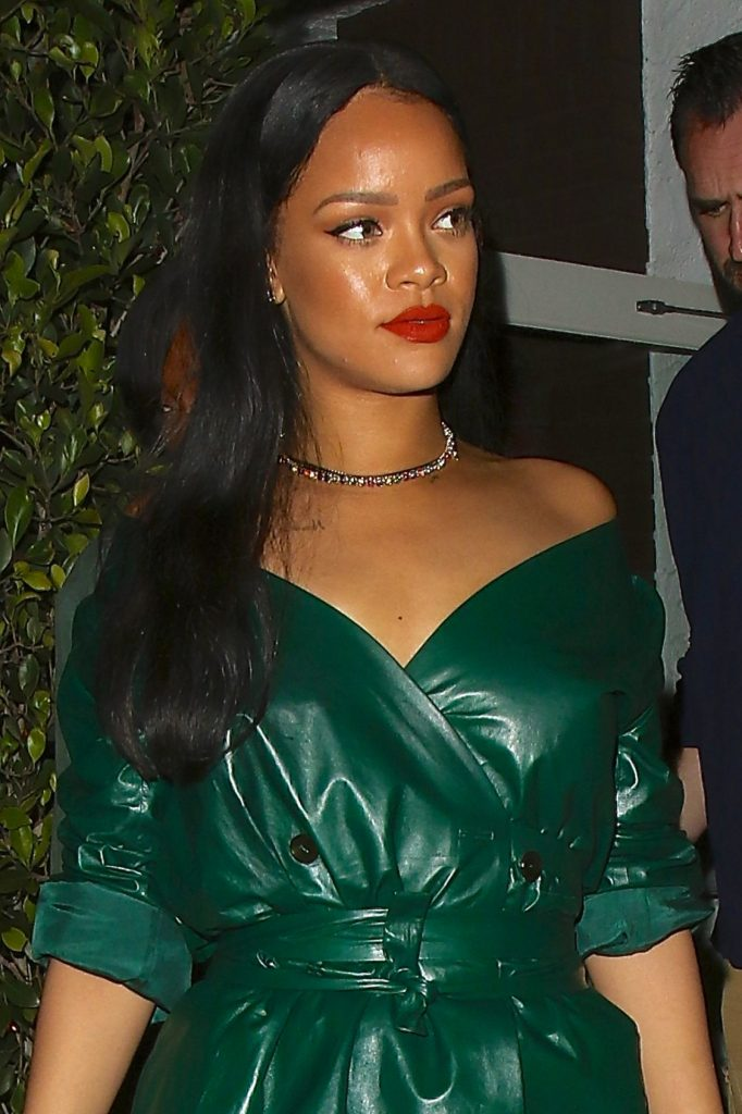 rihanna-night-out-style-leaving-dinner-at-giorgio-baldi-in-santa-monica-5-8-2016-1