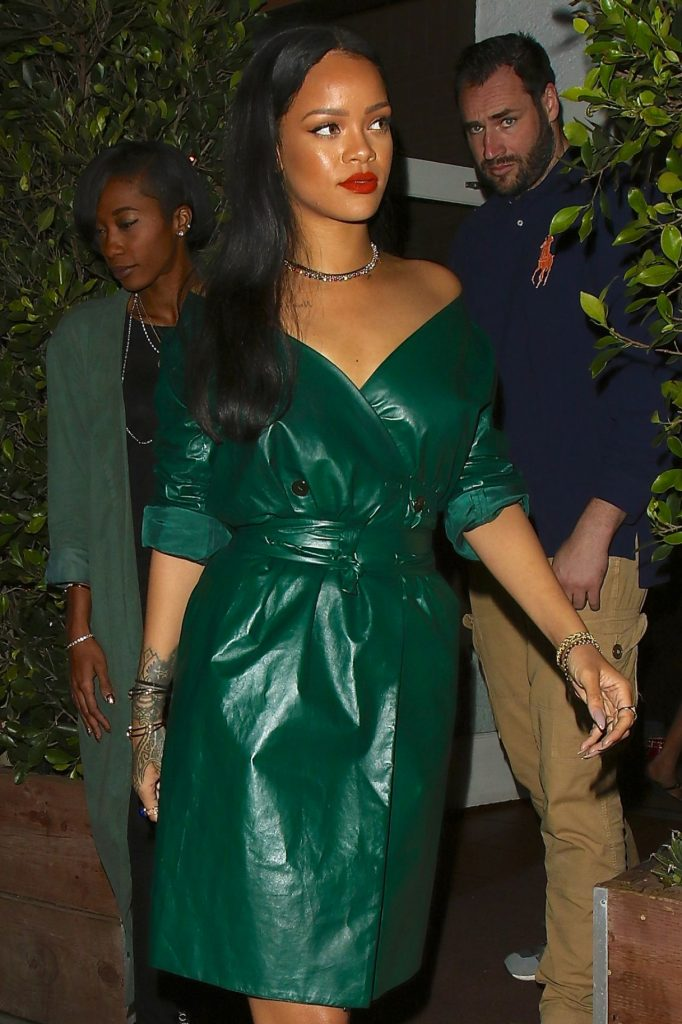 rihanna-night-out-style-leaving-dinner-at-giorgio-baldi-in-santa-monica-5-8-2016-2