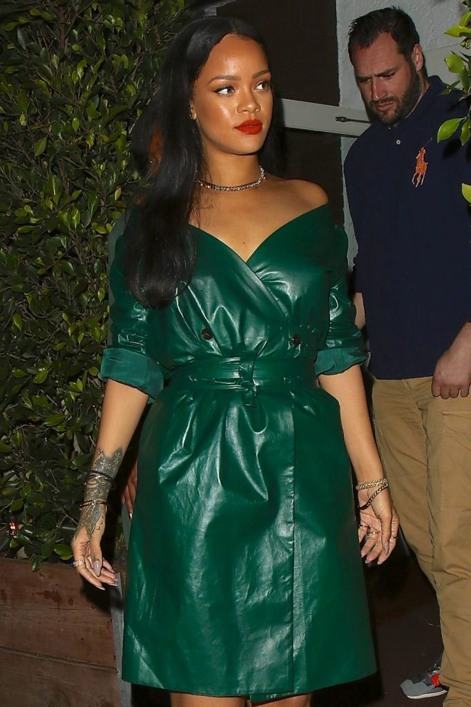 rihanna-night-out-style-leaving-dinner-at-giorgio-baldi-in-santa-monica-5-8-2016-4