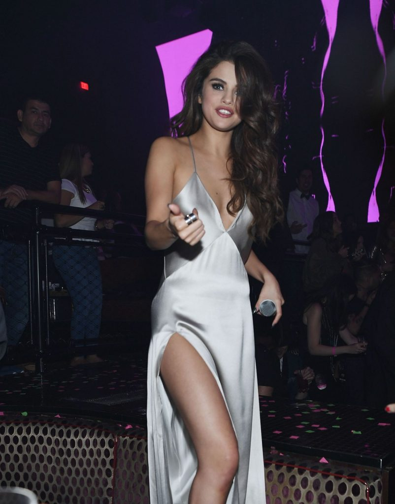 selena-gomez-revial-tour-after-party-las-vegas-nv-5-6-2016-4