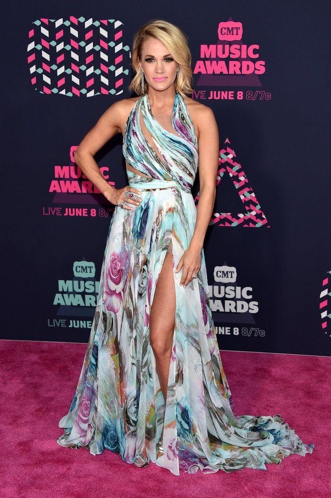 Carrie-Underwood-Dress-CMT-Awards-2016-4