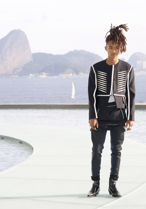 jaden-smith-in-louis-vuitton-at-the-louis-vuitton-cruise-2017-show