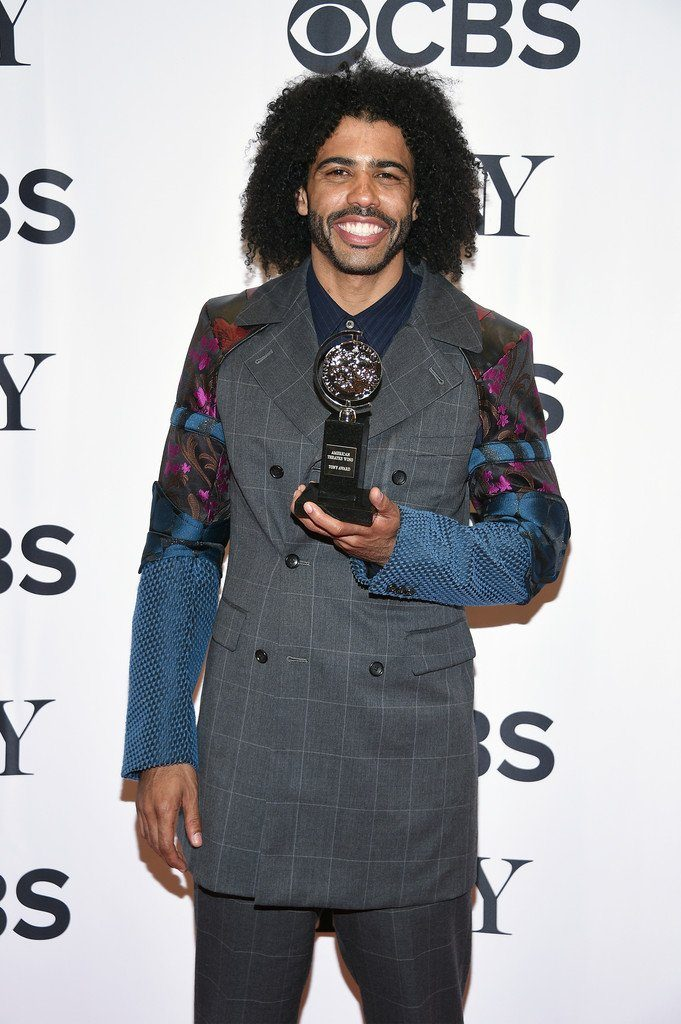 daveed-diggs-in-comme-des-garcons-at-the-70th-annual-tony-awards
