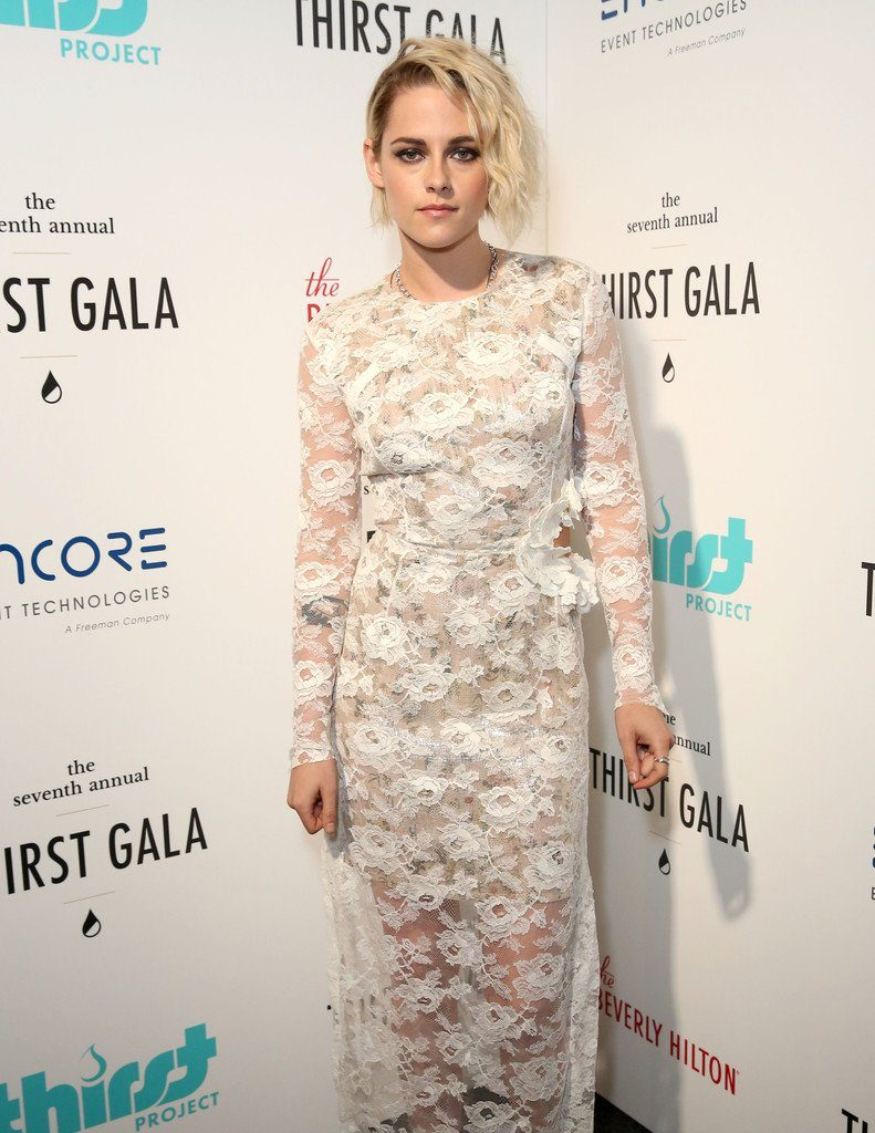 kristen-stewart-in-preen-at-the-7th-annual-thirst-gala