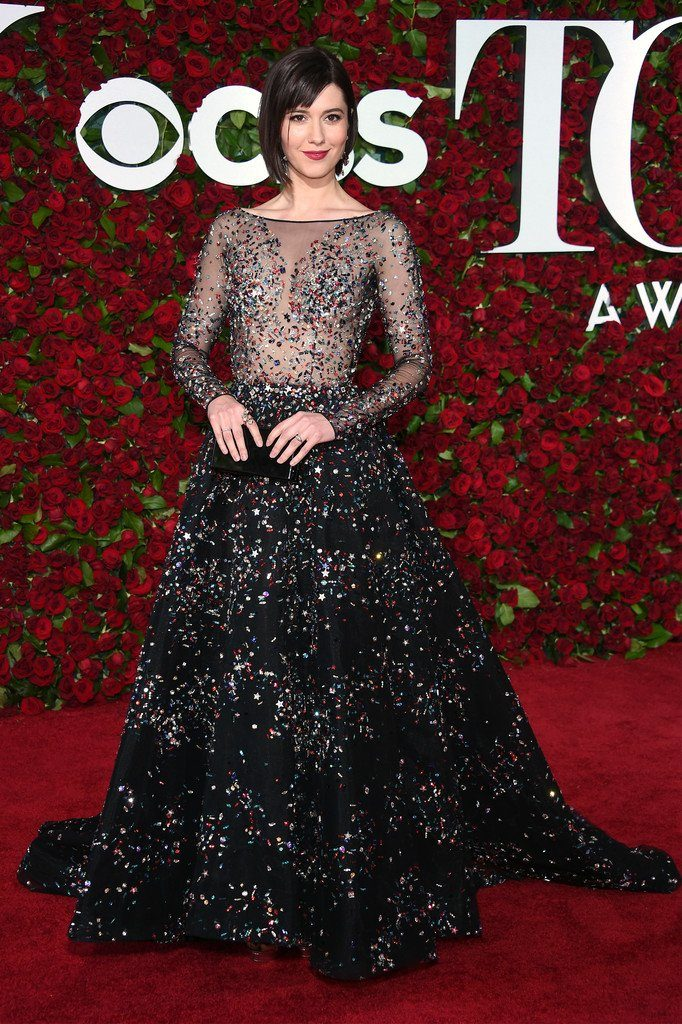 mary-elizabeth-winstead-in-zuhair-murad-couture-at-the-70th-annual-tony-awards