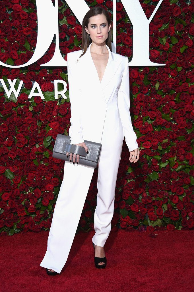 allison-williams-in-dkny-at-the-70th-annual-tony-awards