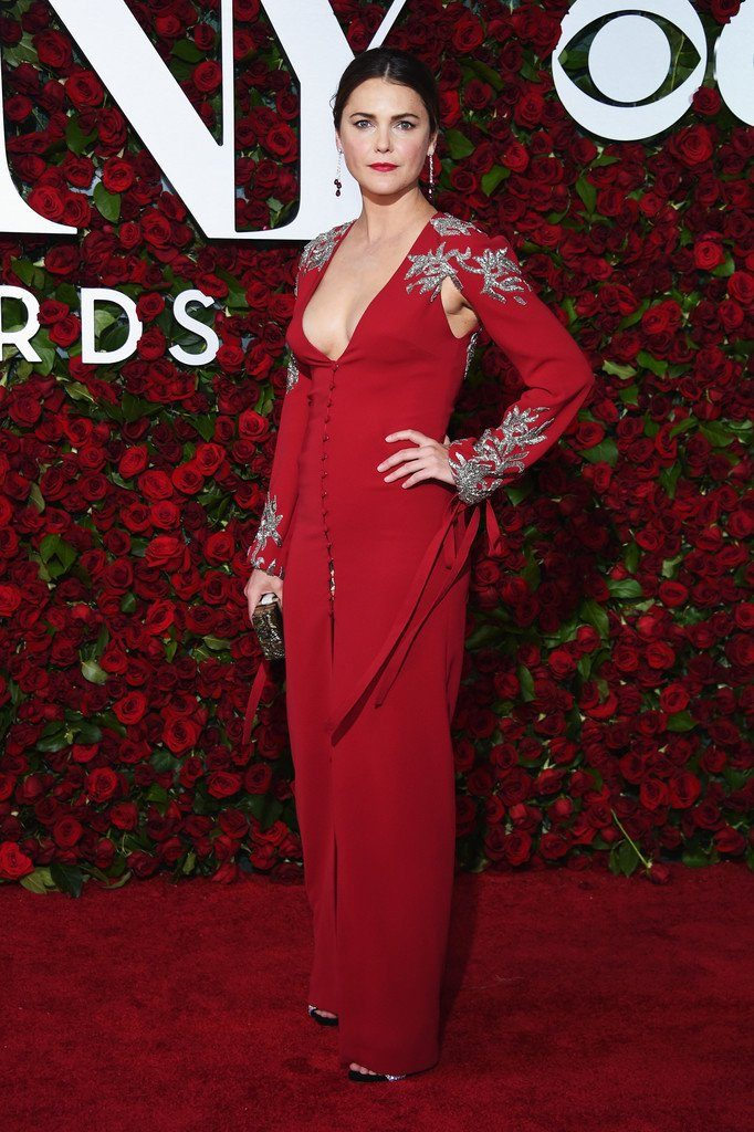 kerri-russell-in-monique-lhuillier-at-the-70th-annual-tony-awards
