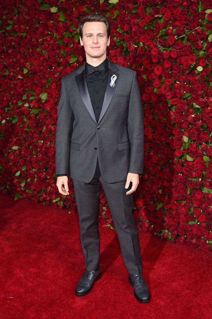 jonathan-groff-in-calvin-klein-at-the-70th-annual-tony-awards