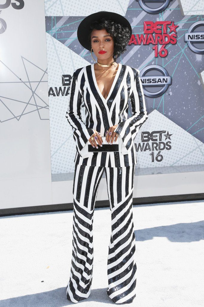 janelle-monae-in-sass--bide-at-the-2016-bet-awards