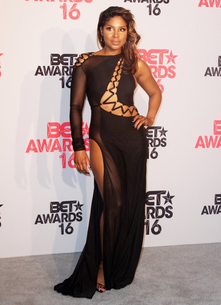 toni-braxton-2016bet-awards