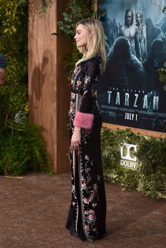 margot-robbie-in-gucci-legend-of-tarzan-la-premiere
