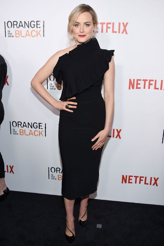 taylor-schilling-in-osman-at-orange-is-the-new-black-season-four-new-york-premiere