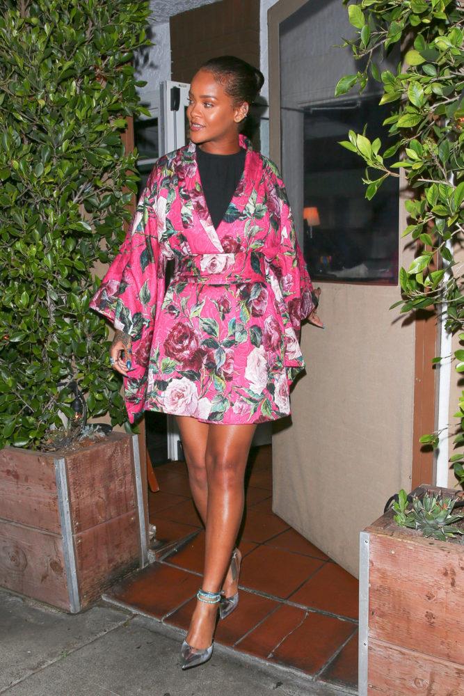 Rihanna-Dolce-and-Gabbana-Spring-2016