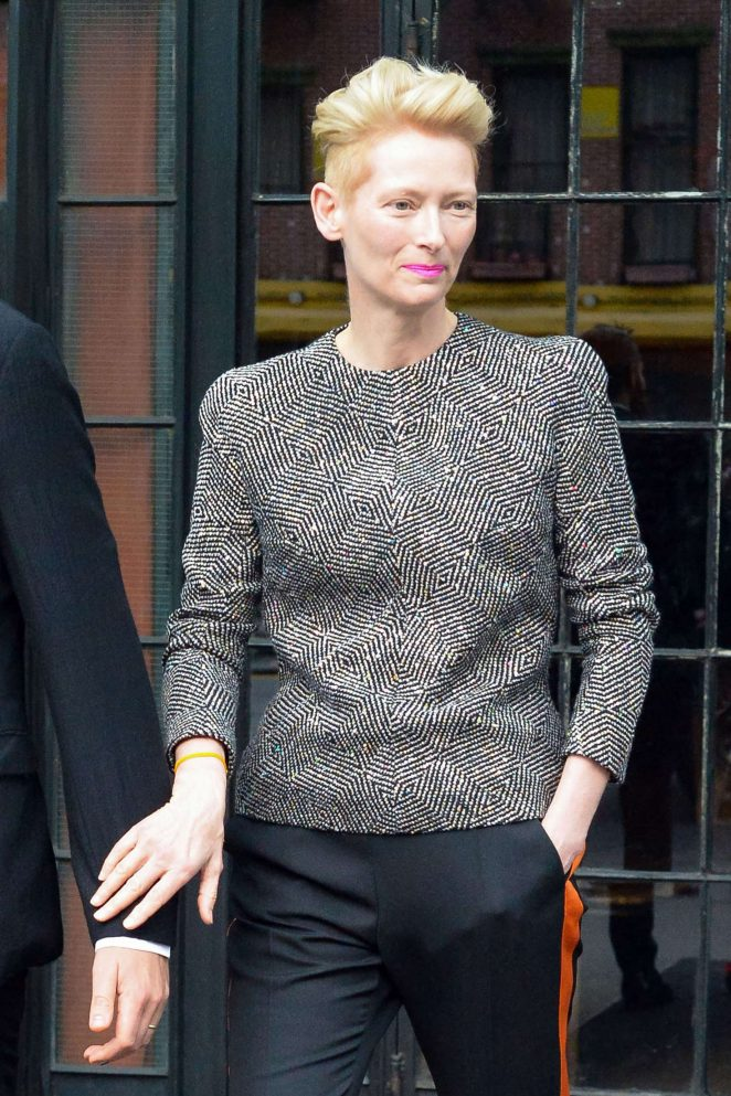 Tilda-Swinton--Arrives-at-2016-CFDA-Fashion-Awards--\