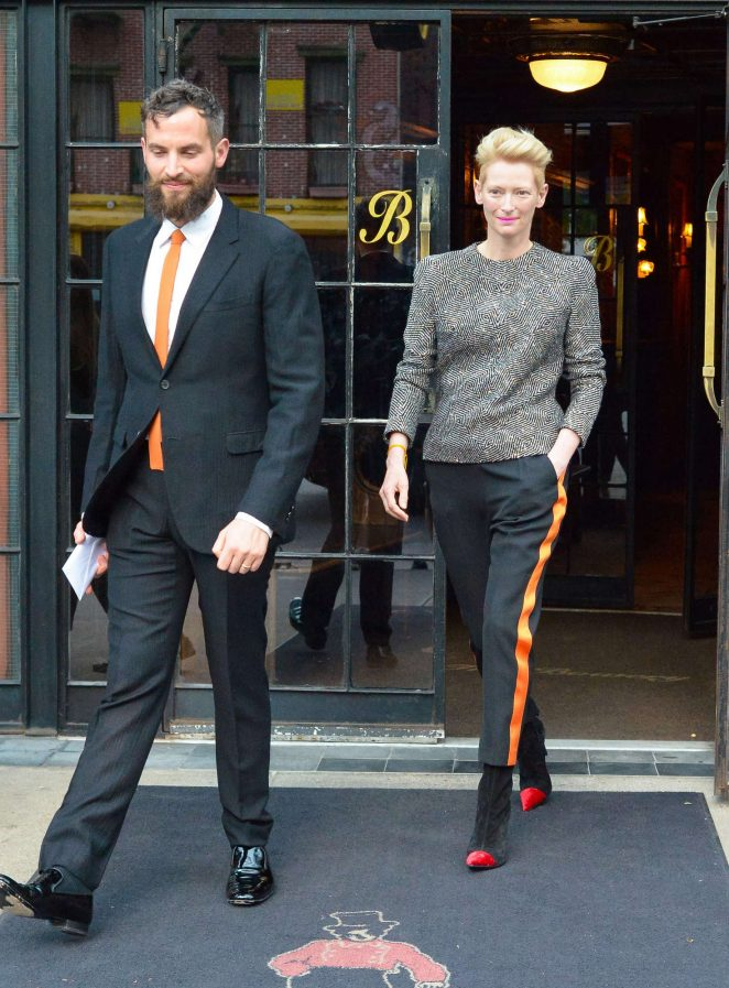 Tilda-Swinton--Arrives-at-2016-CFDA-Fashion-Awards--04-662x897