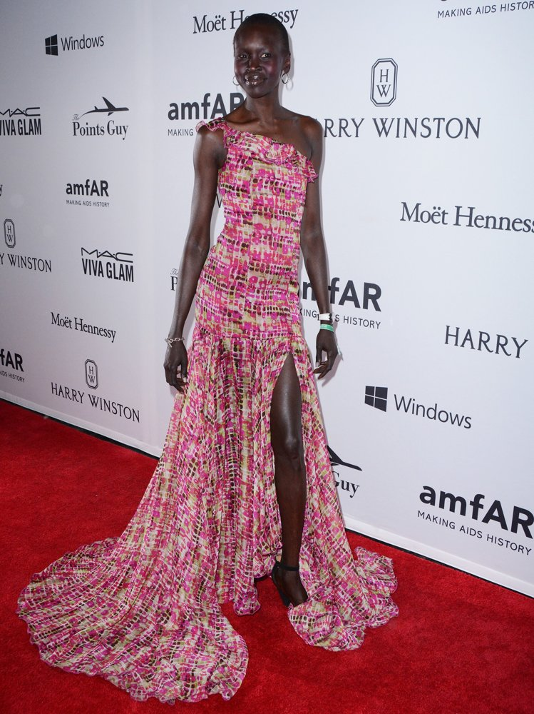 alek-wek-7th-annual-amfar-inspiration-gala-new-york-01