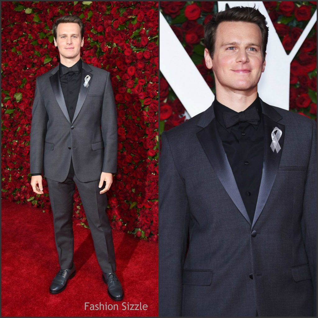jonathan-groff-in-calvin-klein-at-the-70th-annual-tony-awards-1024×1024