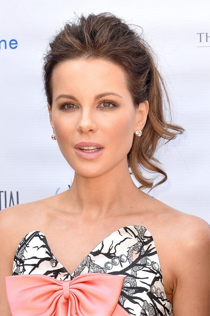 kate-beckinsale-attends-the-los-angeles-confidential-magazine-s-annual-women-of-influence-in-beverly-hills_7