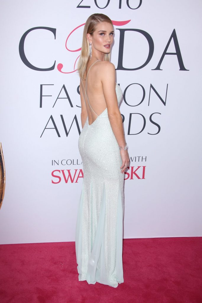 rosie-huntington-whiteley-cfda-fashion-awards-in-new-york-city-6-6-2016-2