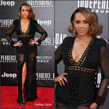vivica-a-fox-in-ese-azenabor-at-the-independence-day-resurgence-la-premiere-1024×1024