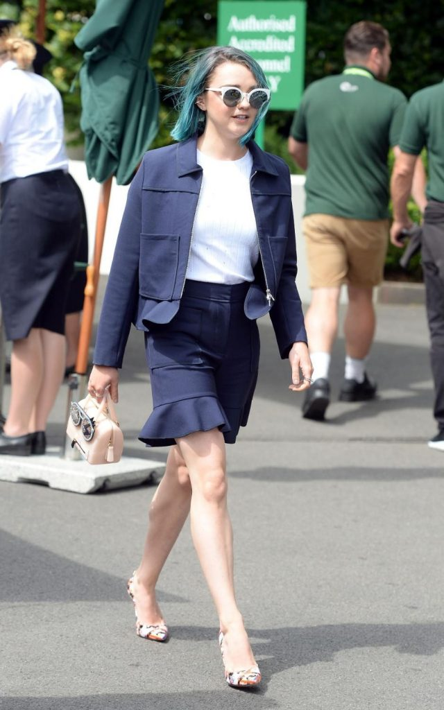 maisie-williams-in-victoria-by-victoria-beckham-at-the-2016-wimbledon-championship