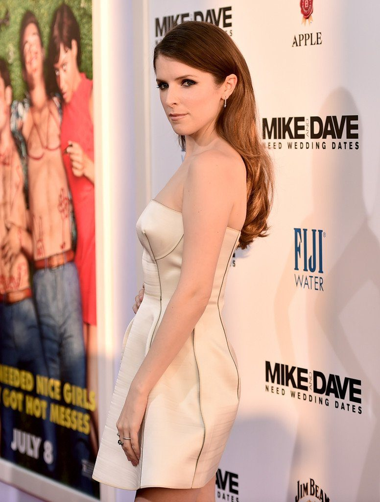 anna-kendrick-in-calvin-klein-collection-at-mike-and-dave-need-wedding-dates-la-premiere