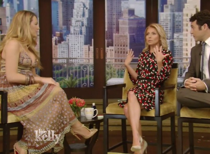 blake-lively-in-valentino-at-live-with-kelly-promoting-cafe-society