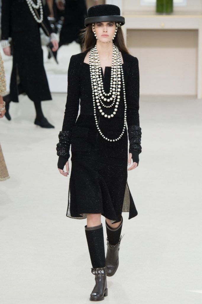 dakota-fanning-in-chanel-at-the-cafe-society-new-york-premiere