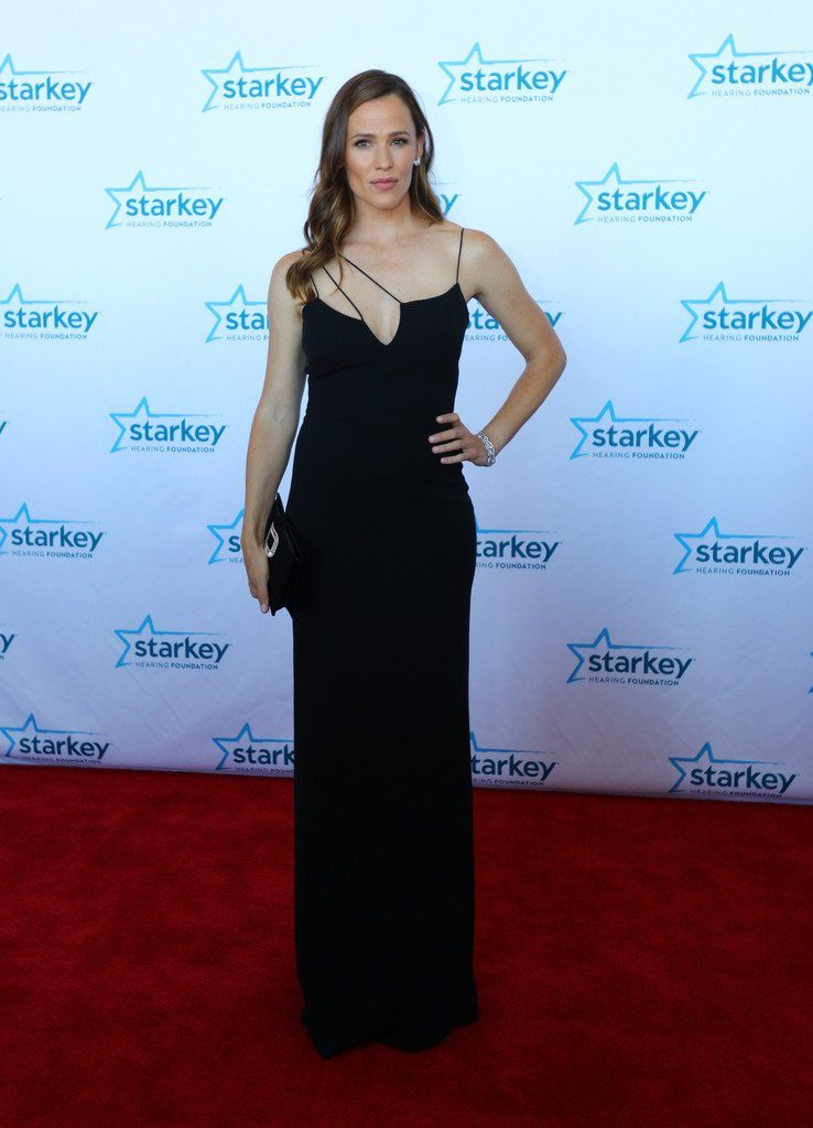 jennifer-garne-in-victoria-beckham-at-the-starkey-cares-so-the-world-may-hear-gala