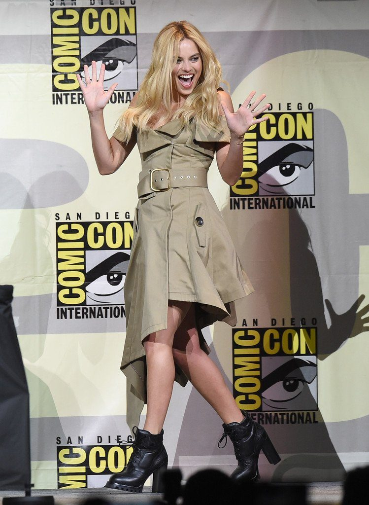 margot-robbie-in-monse-at-suicidesquad-panel-at-comic-con