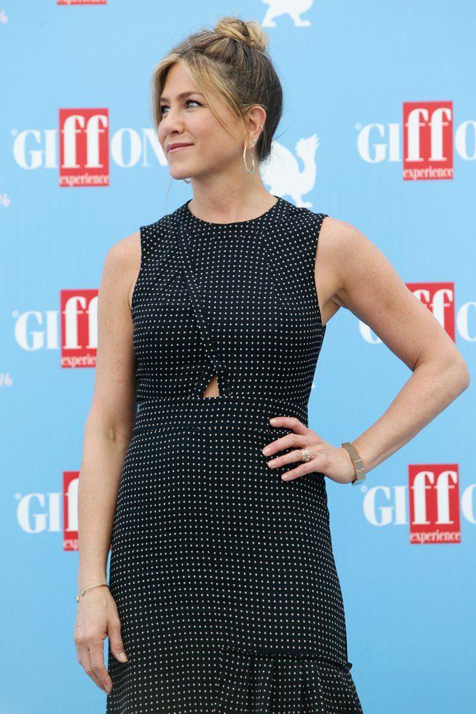 Jennifer-Aniston-Tibi-Dress-Giffoni-Film-Festival-2016-2