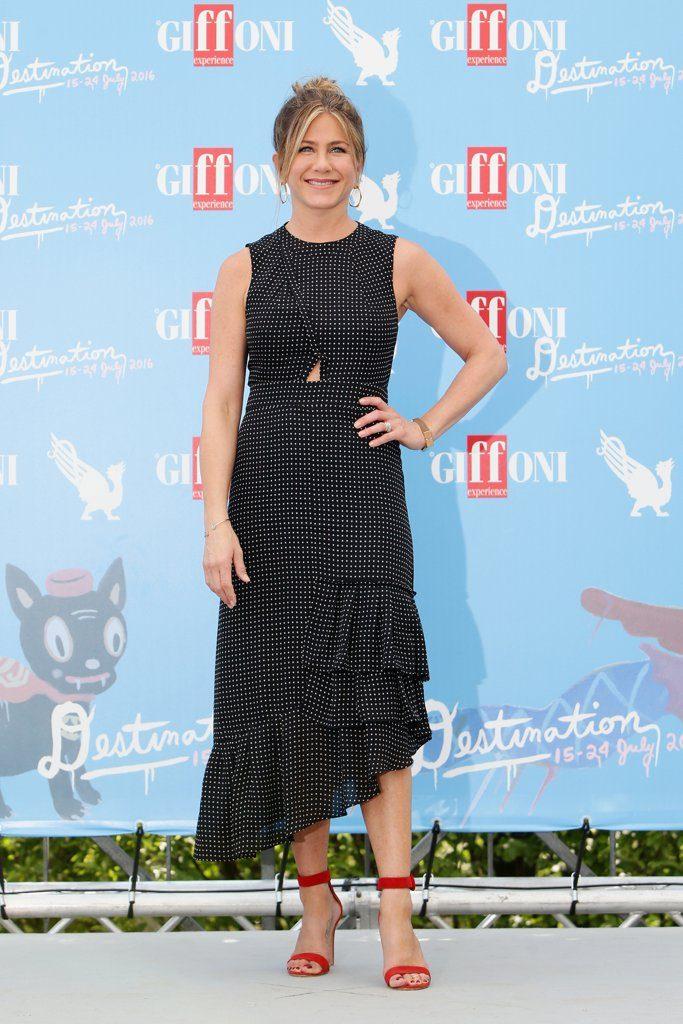 Jennifer-Aniston-Tibi-Dress-Giffoni-Film-Festival-2016-3