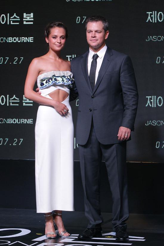 Matt-Damon-Jason-Bourne-Seoul-Movie-Premiere-Red-Carpet-Fashion-Louis-Vuitton-