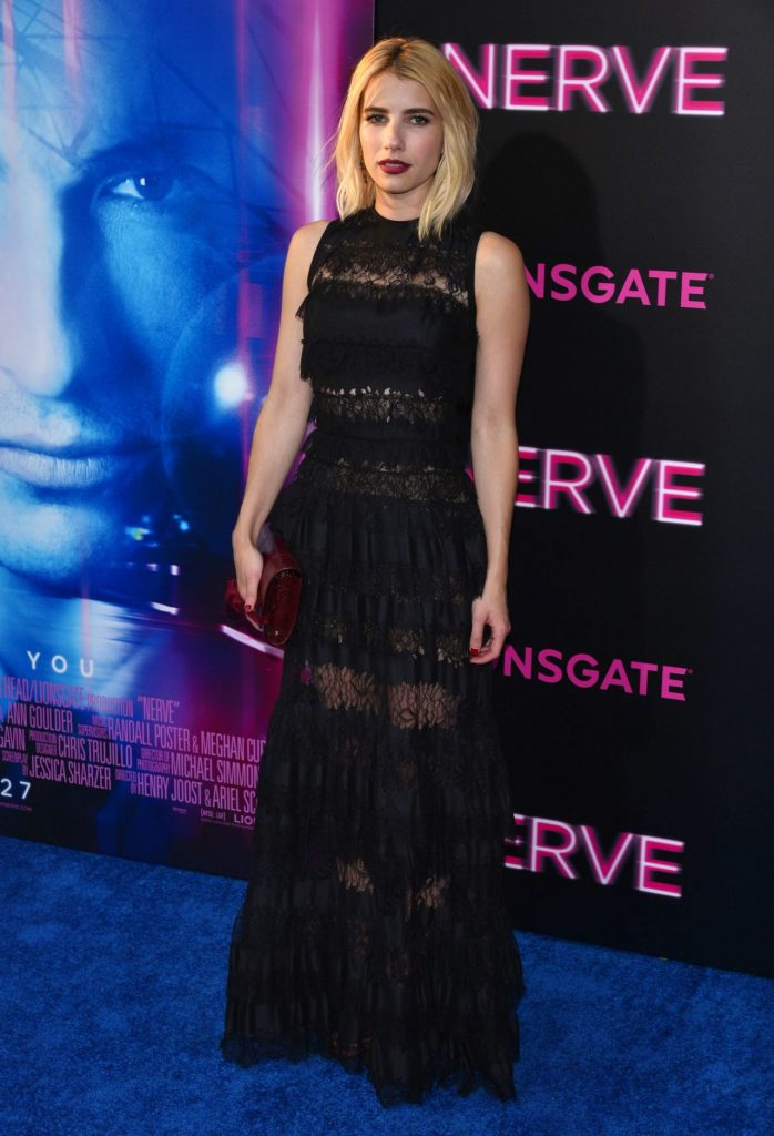 emma-roberts-on-red-carpet-nerve-premiere-in-nyc-7-12-2016-3
