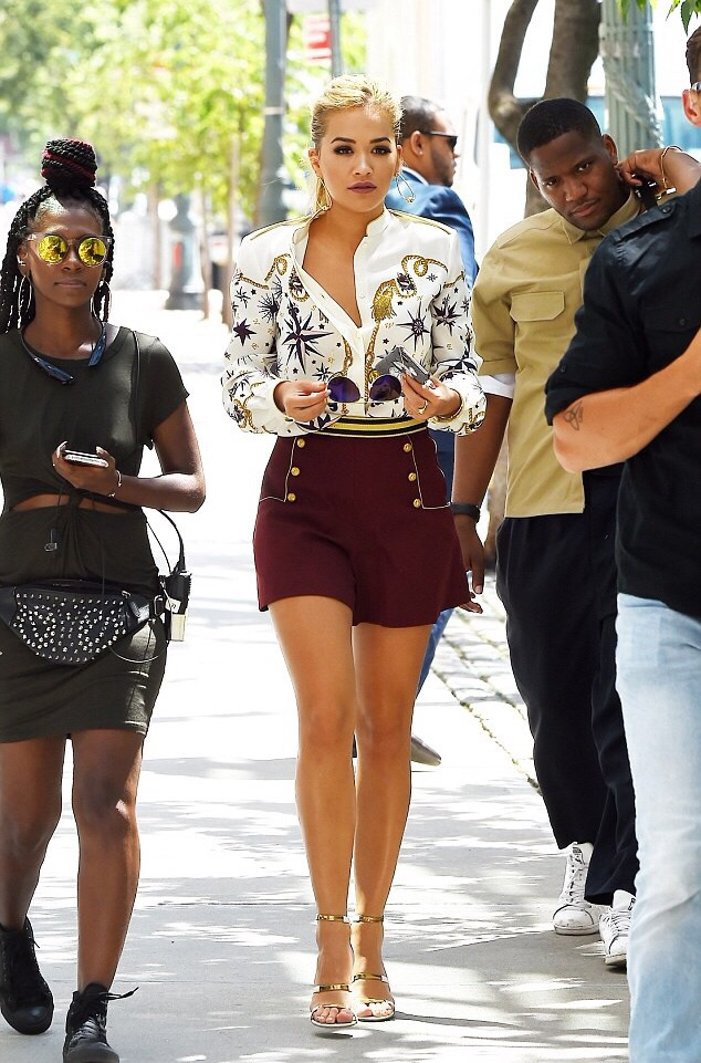 rita-ora-in-tommy-hilfiger-arriving-for-americas-next-top-model-taping