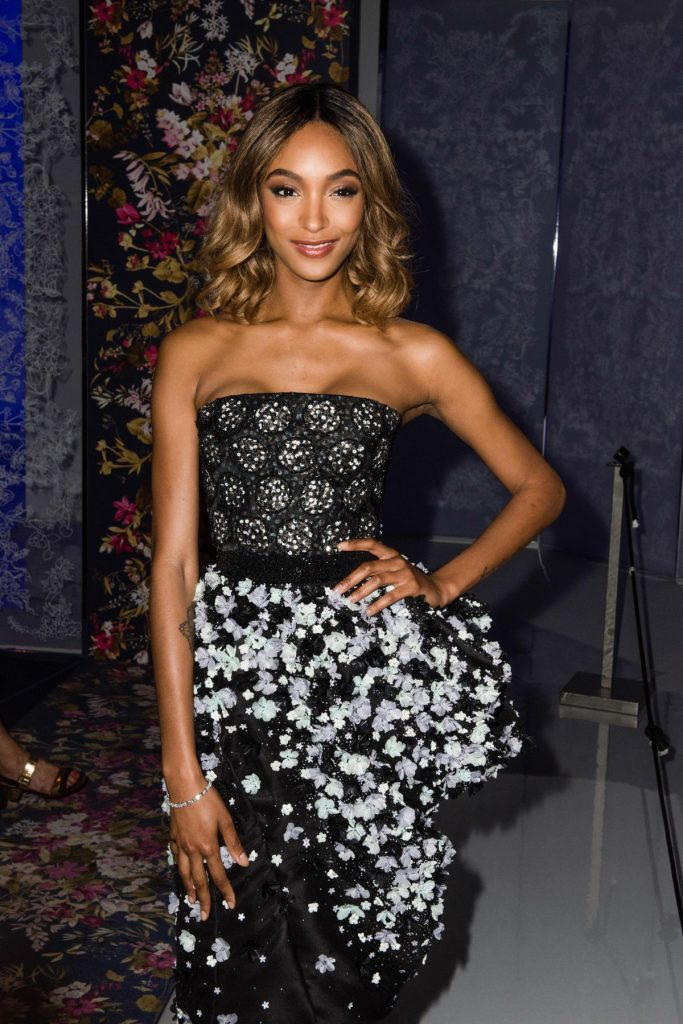 jourdan-dunn-at-ralph-russo-haute-couture-fall-winter-2016-2017-show-during-paris-fashion-week_1