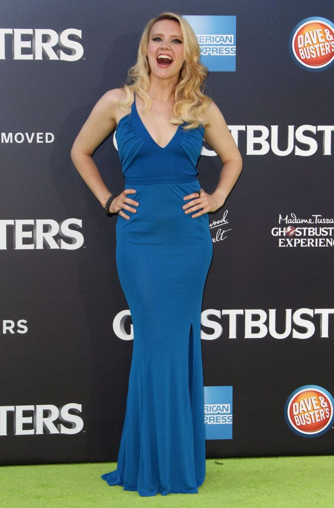 kate-mckinnon-sony-pictures-ghostbusters-premiere-at-tcl-chinese-theatre-in-hollywood-8