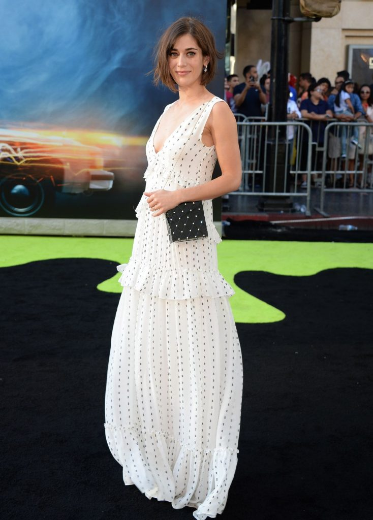 lizzy-caplan-sony-pictures-ghostbusters-premiere-at-tcl-chinese-theatre-in-hollywood-2