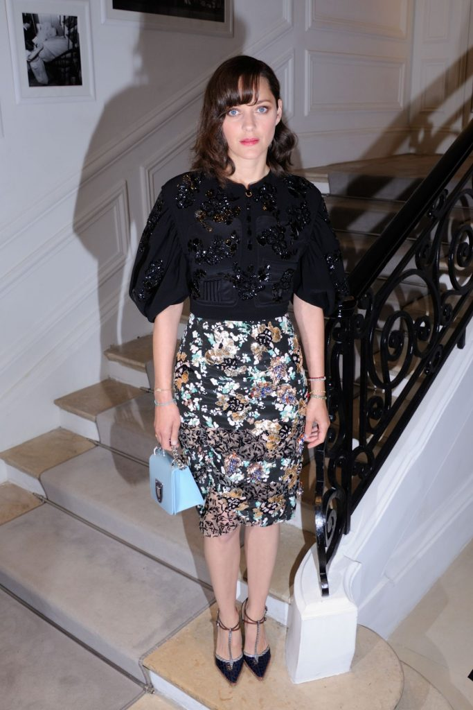 marion-cotillard-at-dior-haute-couture-fall-winter-2016-2017-show-paris-fashion-week-7-4-2016-2