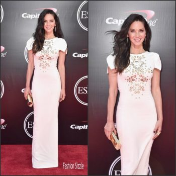 olivia-munn-in-antonio-berardi-at-the-2016-espy-awards-1024×1024