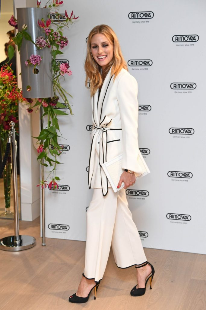 olivia-palermo-classy-fashion-rimowa-london-concept-store-vip-press-launch-6-29-2016-6