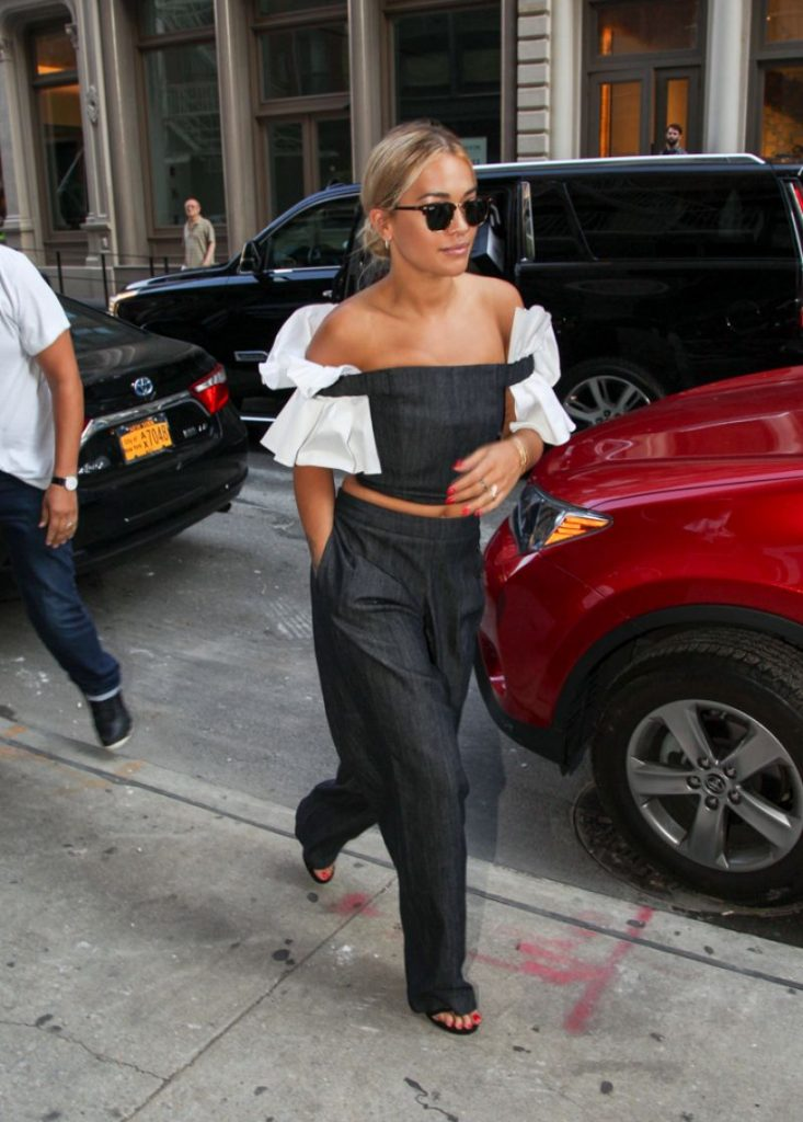 rita-ora-chic-manhattan-new-york-7-12-2016-6