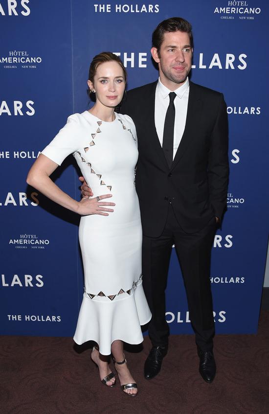Emily-Blunt-John-Krasinski-The-Hollars-New-York-Screening-Red-Carpet-Fashion-David-Koma-Dior-Homme-