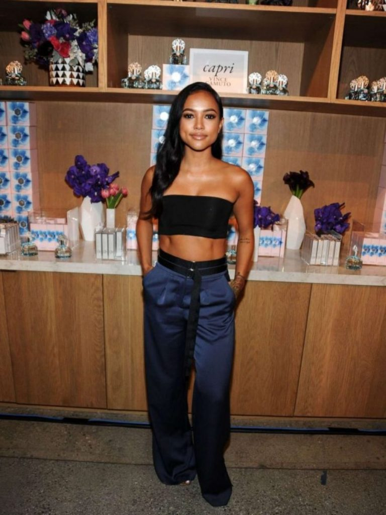 Karrueche-Tran-2016-Variety-Power-of-Young-Hollywood-topshop-navy-satin-wide-leg-trousers-900x1200