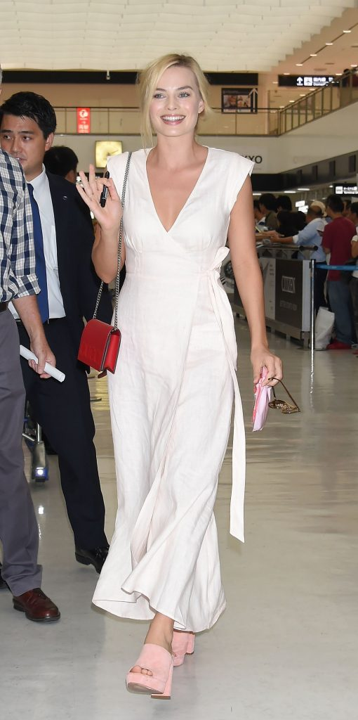 Margot-Robbie-Wears-Reformation-Dress-Airport-2
