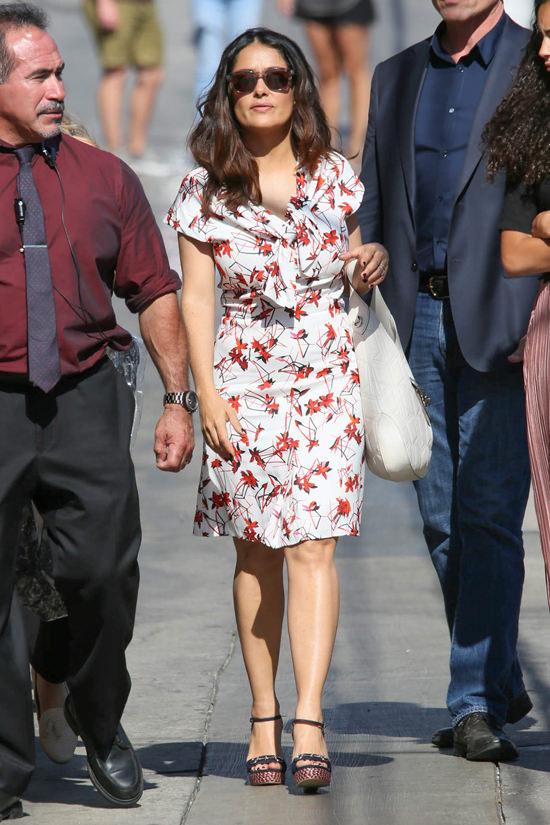 Salma-Hayek-Jimmy-Kimmel-Live-TV-Style-Fashion-Gucci-Alexander-McQueen