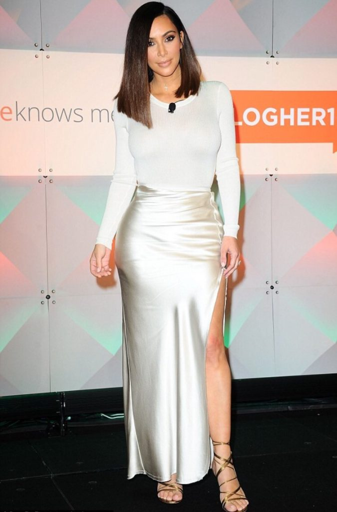 kim-kardashian-in-nili-lotan-at-blogher16-experts-among-us-conference