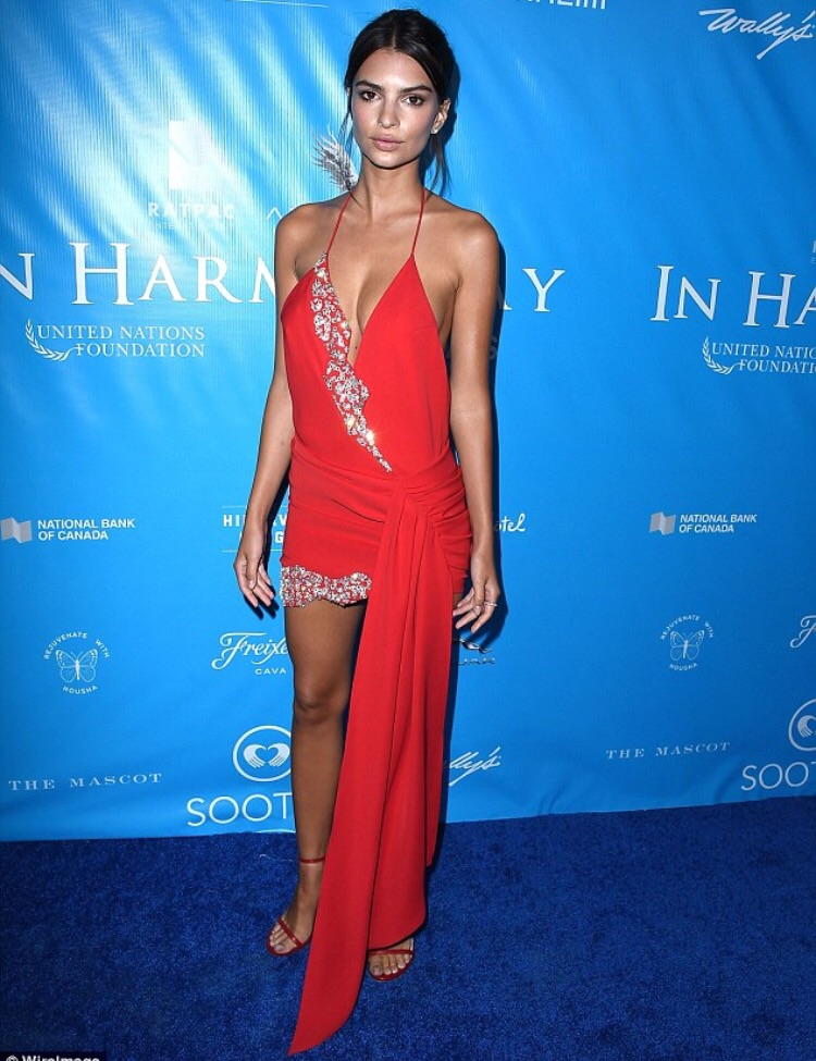emily-ratajkowskit-in-alexandre-vauthier-couture-at-dinner-for-the-un-secretary