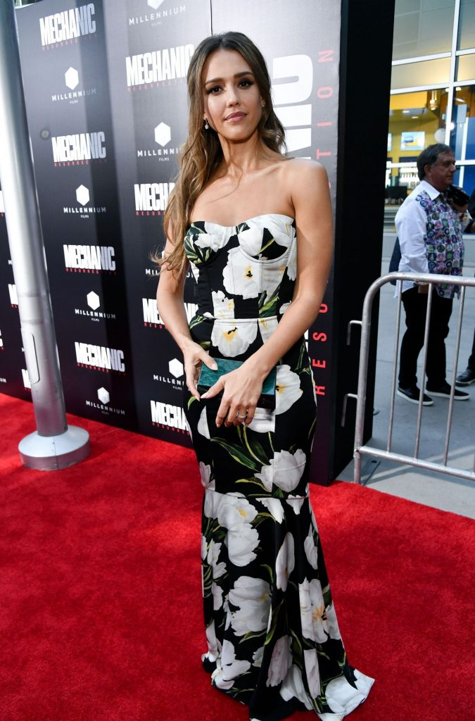 jessica-alba-mechanic-resurrection-premiere-in-los-angeles-08-22-2016-20